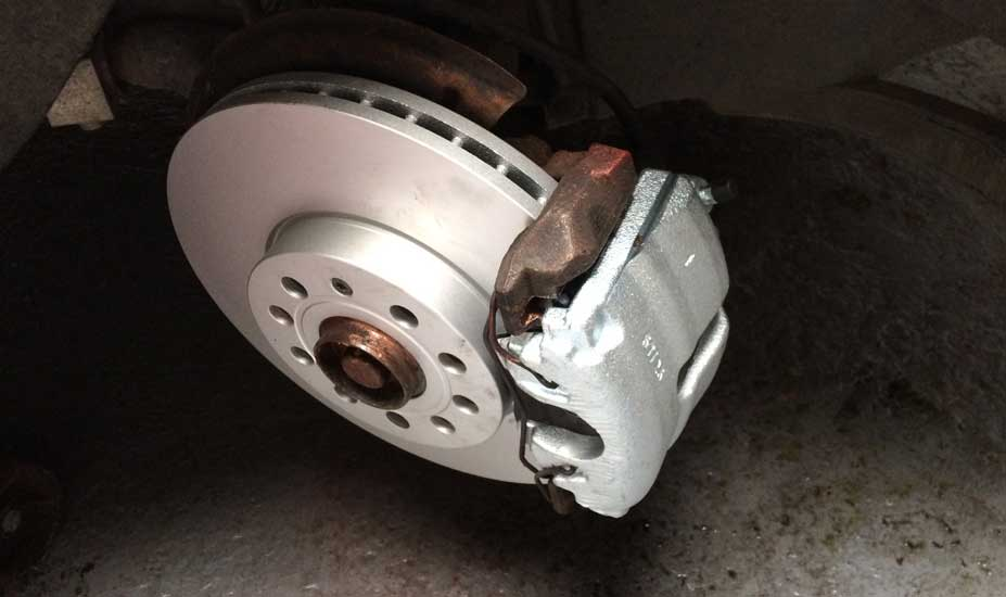 Brake caliper and rotor