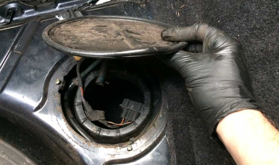 Gas tank access